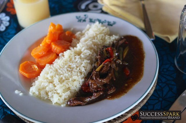 8-tanzania-lazy-lagoon-retreat-rice-and-stir-fry-beef